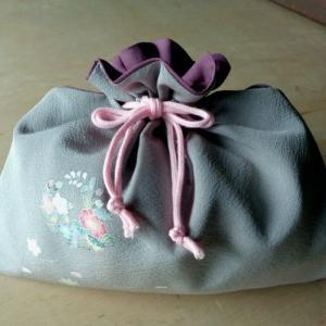 和布で巾着作る