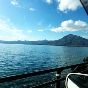光と清らかな水のパワースポット支笏湖
