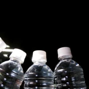 【台風・地震の備え】お水の段ボールってそんなにどこにしまえるの?