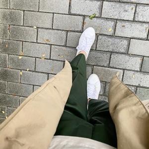 雨の日コーデ・スニーカーにベストなパンツの形や丈は?