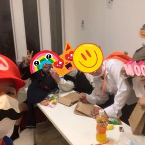 ハロウィンパーティーを開催しました。