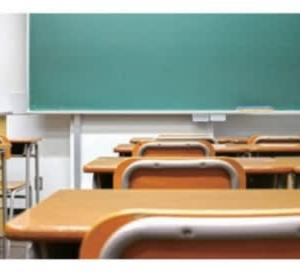 学校訪問~少人数学級の必要性を実感