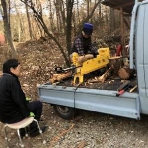 薪割り作業