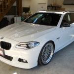 BMW5ツーリングの定期メンテナンスです。
