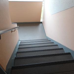 月に1回の階段掃除