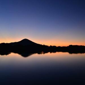 北条池の朝陽