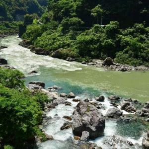 中津渓谷の上流へ