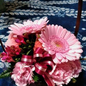 火曜日には花を買って (^^♪