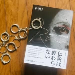 舞台劇「横浜ローザ」の25年を綴った五大路子さん。