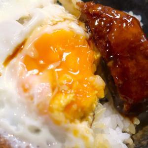 沖縄の食堂らしい食堂「うちなあ家 泊本店」でとんかつ定食