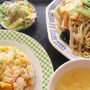 町中華っていうかまかない中華的な「漢謝園」で焼きそば&半チャーハン定食