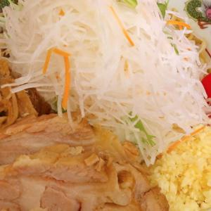 ふたたび二郎系「赤ひげラーメン」の冷やし中華でニンニクと唐辛子の辛さを楽しむ!