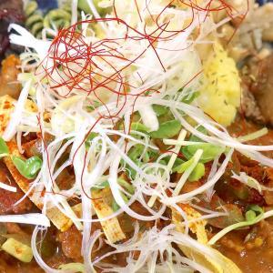 那覇「カレーのタマニ」で酸味×豚のカレー2種・豚味噌ディギーミルチ&タマリンドカレー