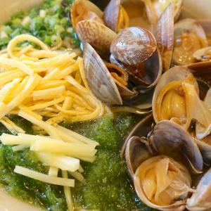 うるま市「帆掛きそば」で鮮魚、アサリ、昆布で出汁をとった海風そば