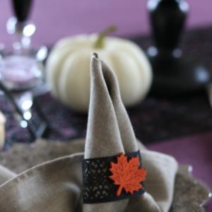 ハロウィン仕様のナプキン折りはクラフトアクセでグレードアップ☆