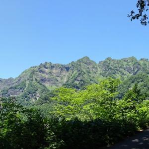 【品沢高原】 絶壁の岩稜