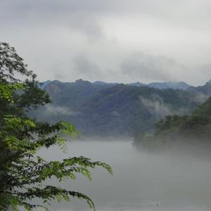 川霧煙る犀川 ~池沢トンネル付近~