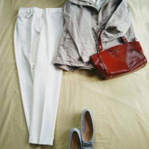 あなたを美人に見せる服。秋こそPLSTの上品なパンツを、映える白で。