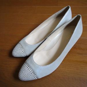 今が「買い」なセールの靴2足。年中使えて合わせやすいです