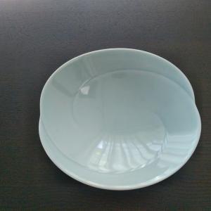 大人気、白山陶器の食器を買ってみた【ともえシリーズの浅鉢】
