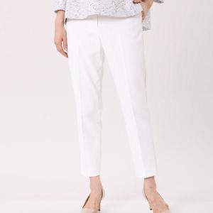 細くみえる白パンツの春コーデ、4つのルール