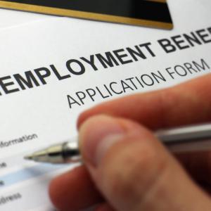 不満炸裂!アメリカの失業保険の保証しすぎで、医療従事者には何の保証もナシ!