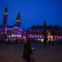 No.593十月の色は、なぜピンク?仏北部リルのモニュメントも染まります!