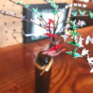 折り鶴の木をまねしてみたが