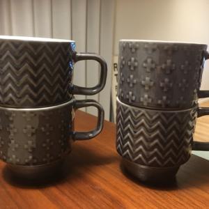 来客用のマグカップ、セリアで買いました。