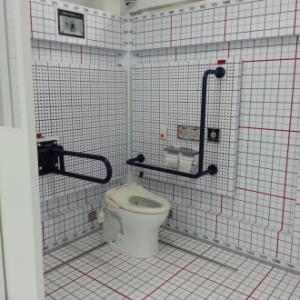 駅のトイレとか。。。。