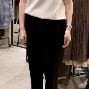 同行ショッピング・カジュアルにもなるキレイ目な服。
