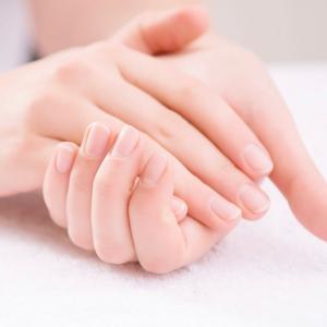 手を酷使する方々の 声から開発されたプラセンタ配合ハンドクリーム