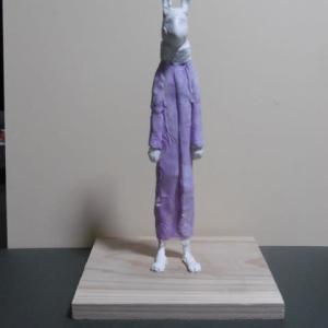 【現代彫刻家】「ウサギ人Ⅰ」着色