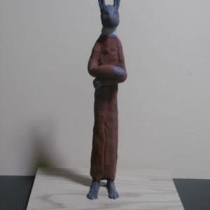 【現代彫刻家】「ウサギ人Ⅱ」