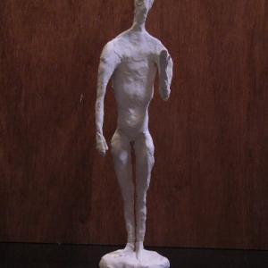 【抽象彫刻】「人物立像」・・・電気工事