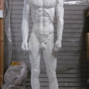 【中堅彫刻家】「穿つ・人」・・・直す。⑭
