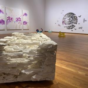 白の棺 愛知県美術館
