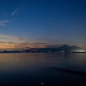 ネオワイズ彗星 ホタルの光添え