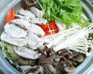 甘辛味噌の餃子鍋