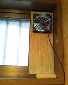【DIY】トイレにPCファンを流用した換気扇を付けてみました。~実験編~