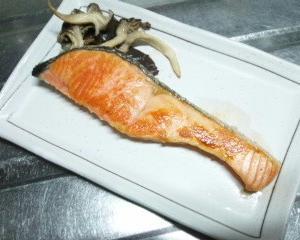 焼鮭定食っぽいごはんの日