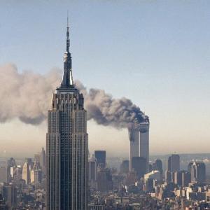 「20年前の9月11日、何が起きたのか ── 写真で振り返る」