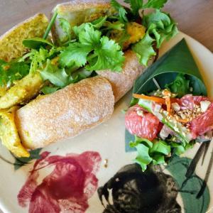 モクアソ@沖縄市~ベトナムのサンドイッチが美味しいカフェ