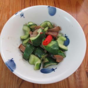 干しアワビとキュウリの自家製豆瓣醬炊き