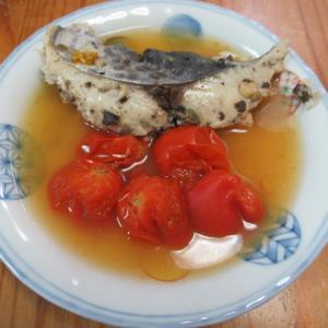 鰆とトマトの欖角(中国オリーブ)ケッパー風味蒸し