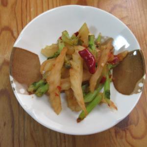 セロリ泡菜の四川風味炊き