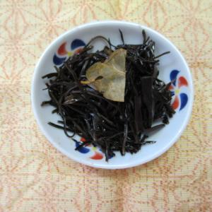 アラメのローリエ風味炊き