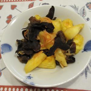 木耳と台湾パイナップルのトマト炊き