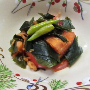 ワカメとトマトの郫縣豆瓣醬炊き