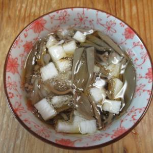 蓴菜(じゅんさい)と長芋の加減酢